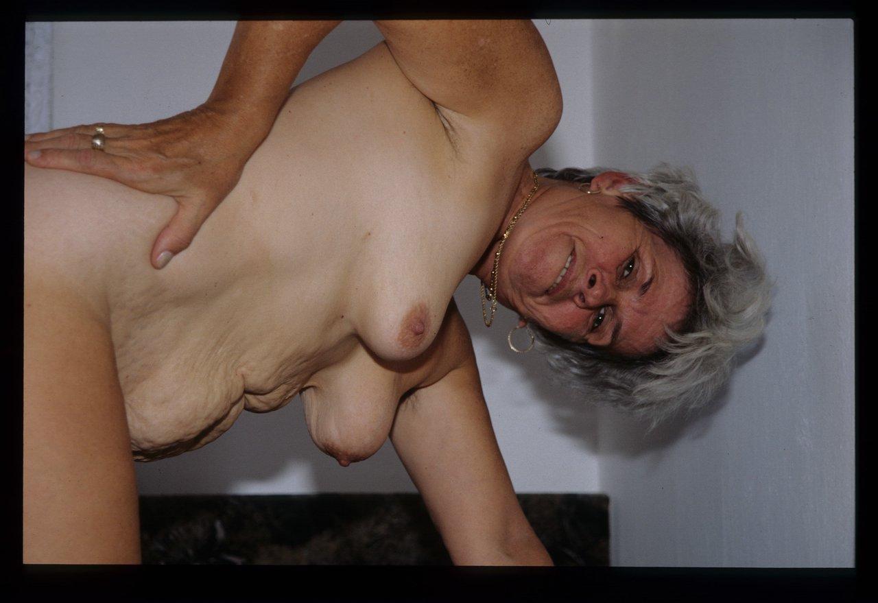 spritzt sperma schluckt zum ersten mal porno